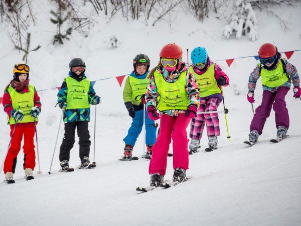 zimowa półkolonia narciarska